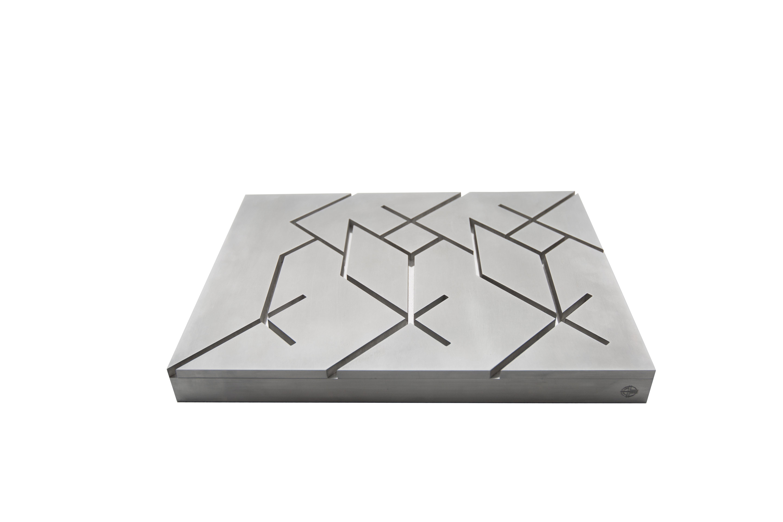 Javier Lledó – El origen de Caph – The origin of Caph. 4 x 42 x 30,5 cm. Aluminio Aluminum.