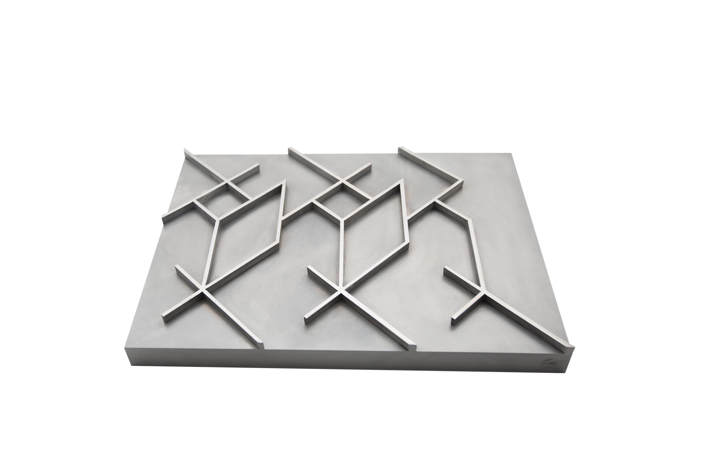 Javier Lledó. – El origen de Caph II – The origin of Caph II. 4 x 42 x 30,5 cm. Aluminio – Aluminum.